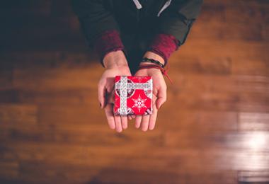 Bespaartip | Kerstcadeaus voor de mannen voor elk budget