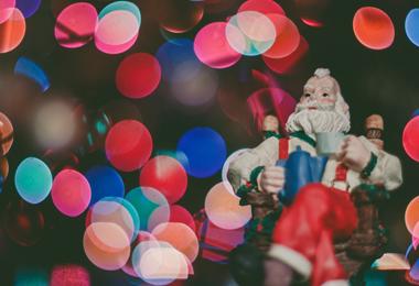 Bespaartip | Voordelige kerstbomen en decoratie voor thuis