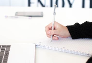 Bespaartip | Schoolartikelen, studieboeken, laptops en meer met korting online