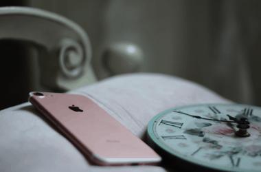 1 op de 10 kijkt op telefoon tijdens seks