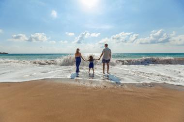 Ouders van jonge kinderen hebben tijdens de zomer weinig 'vakantiegevoel'